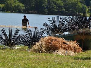 Mise en place de récifs artificiels sur le lac du Tolerme